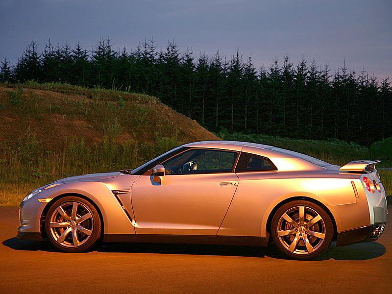 Nissan GT-R Фото Nissan.
