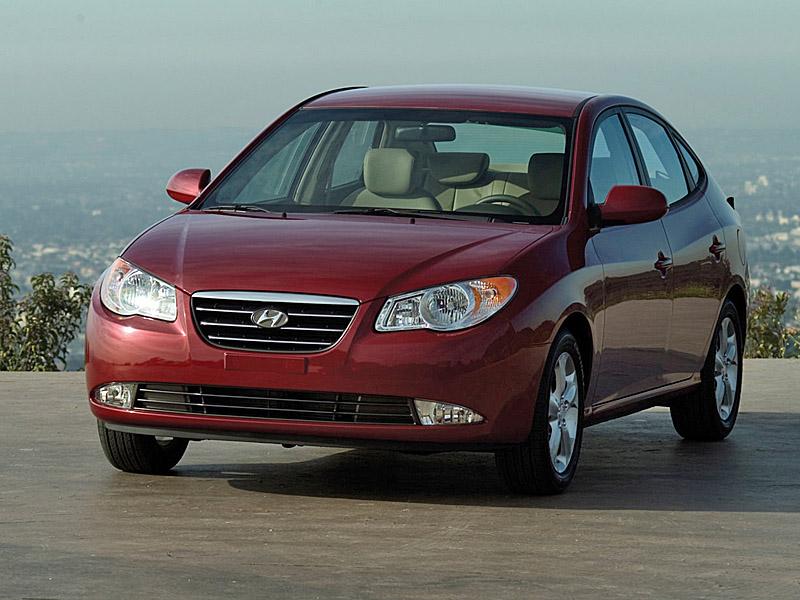 Hyundai Elantra фото / стран…