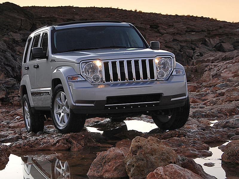 Новый Jeep Liberty получит переднеприводную платформу.
