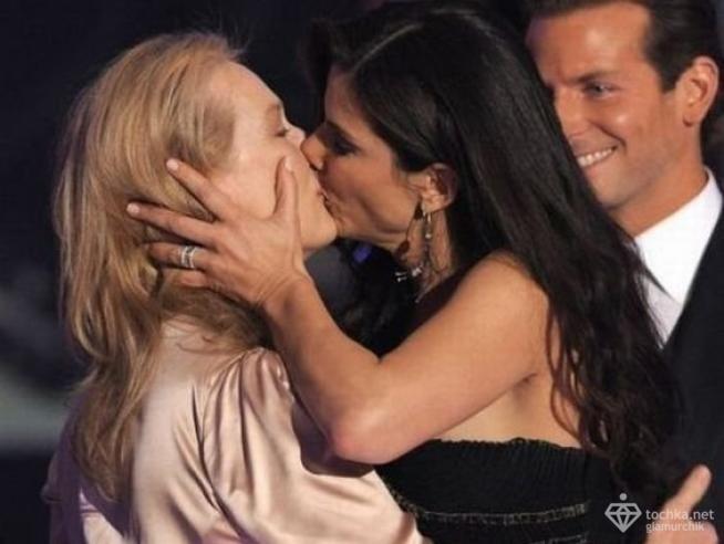 Лесбийские поцелуи