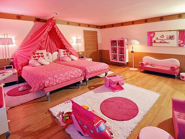 «Стиль Барби», Grand Hotel Savoia, Италия
