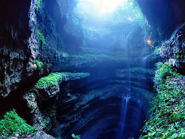 Печера Ластівок