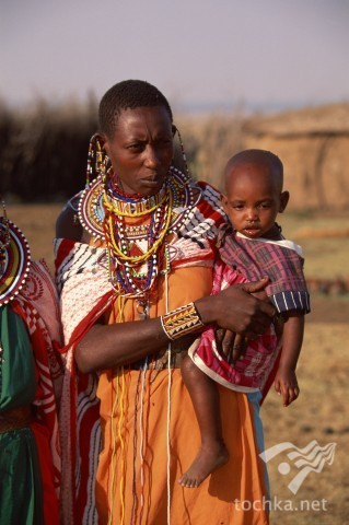 Масаи - полукочевой африканский коренной народ, живущий в саванне на юге...