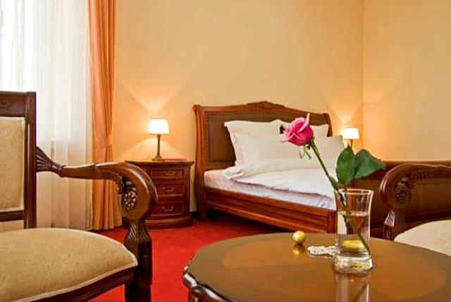 Фото: hotels24.ua.  Самые романтичные отели Украины: Жорж, Львов.