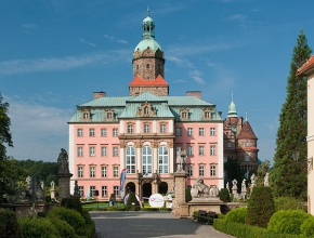 замок Ксенж в Польше